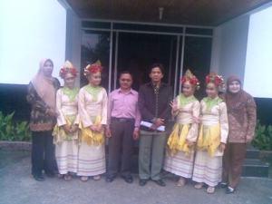 Tim tari MAN 1 Palembang