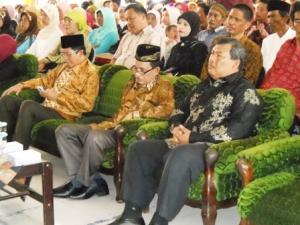 Tamu kehormatan yang hadir pada acara perpisahan MAN 1 Palembang