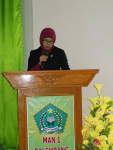 Kepala MAN 1 Palembang, Dra. Hj. Selfi Ariani, MM